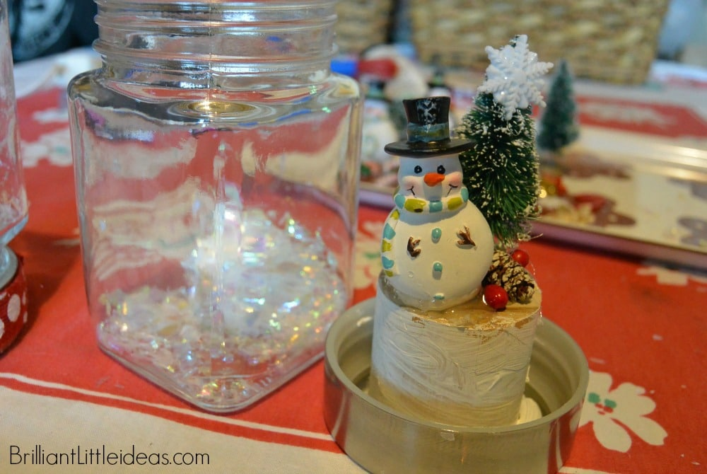 Such a cute Christmas gift idea for teachers. This DIY Dry Snowglobes is an easy Christmas craft that kids can make, cheap Christmas gift.