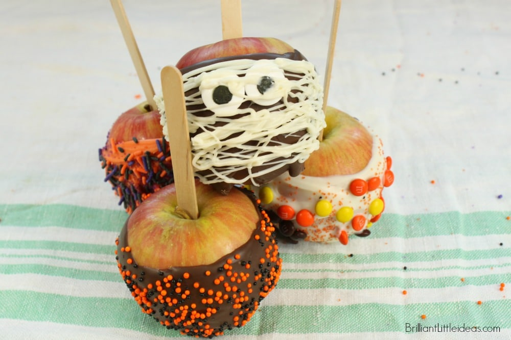 Need a quick Halloween snack? Try these Homemade Simple Fall Candy Apples for your trick or treat kids. Candy Apples were a hit as the classroom snack.