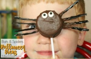 Oreo cookies are AWESOME! You can make the cutest treats like Bats & Spiders Halloween Oreos for your kids. Add a stick & you can make an oreo pop!