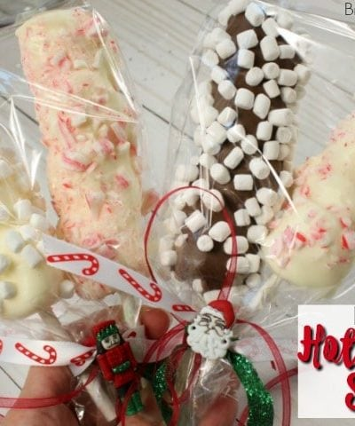 Ya got a mug of hot chocolate? Need a marshmallow pop? Hot Cocoa Stirrers are the ultimate chocolate gift for Christmas or any party favor for the holidays. Your kids can have fun making & giving them away as gifts too. Watch the how to video. #chocolate # Christmas #hotcocoa